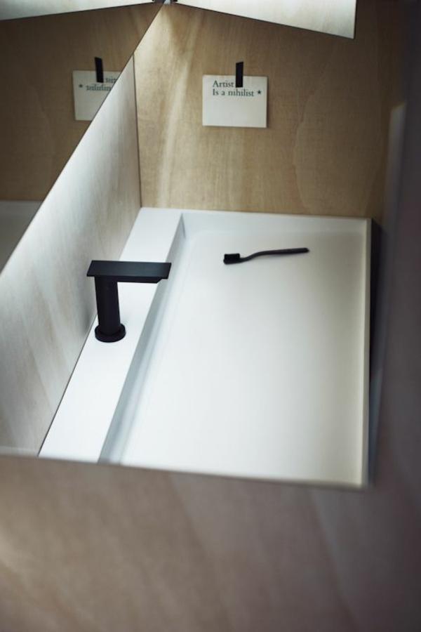 robinet-sans-toucher-en-noir