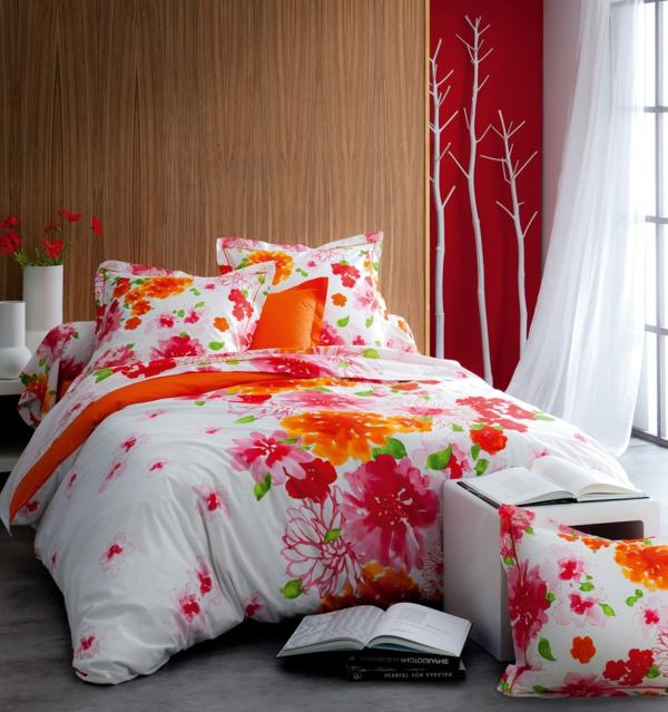 rouge-rose-fleurs-rideaux-fenetre-coussins-lt-flore