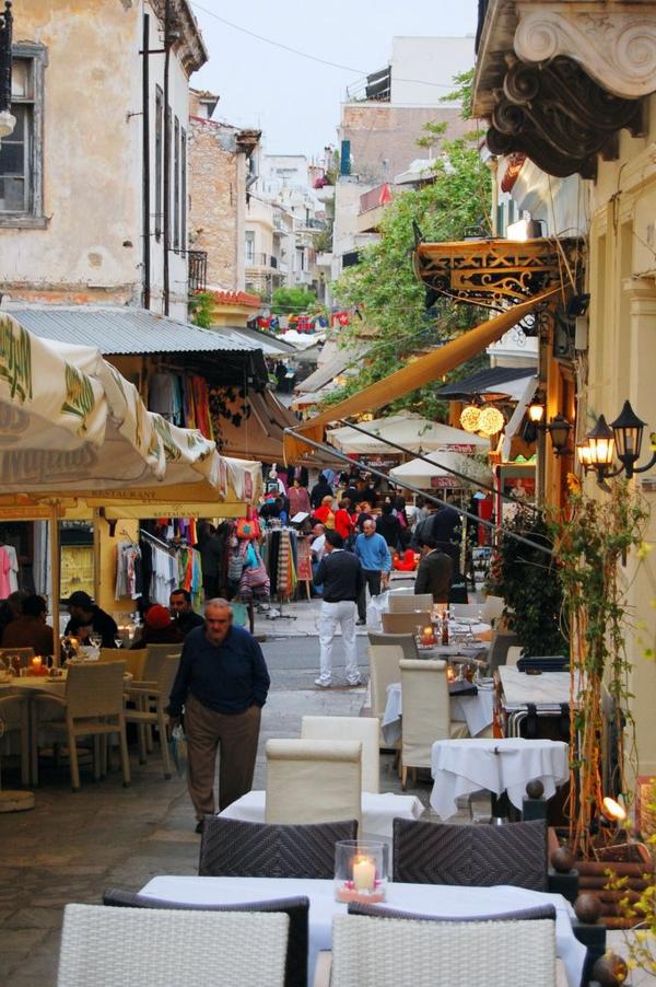 rue-grecque-architecture-monde-restaurant