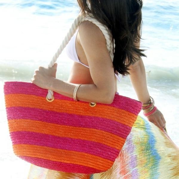 sac-en-paille-mode-d'été-en-matières-naturelles