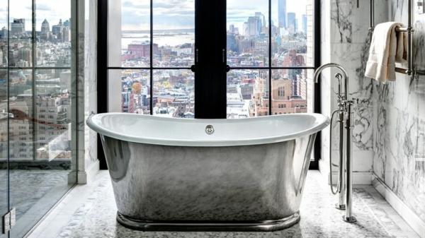 salle-de-bain-avec-vue-new-yorkais-appartement-vast-et-lumineux