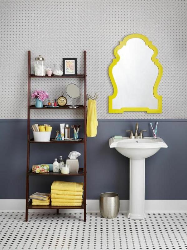 salle-de-bain-bien-aménagée-ranger-sur-échelle