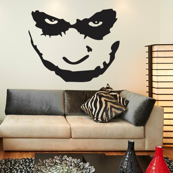 salle-de-séjour-pop-culture-joker-batman-sticker-noir-sofa-coussins