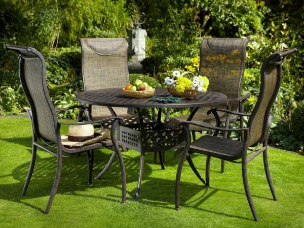salon-de-jardin-en-aluminium-dossiers-hauts-des-chaises