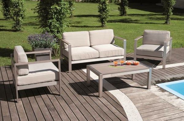 le salon de jardin en aluminium est une solution magnifique pour l 39 ext rieur. Black Bedroom Furniture Sets. Home Design Ideas