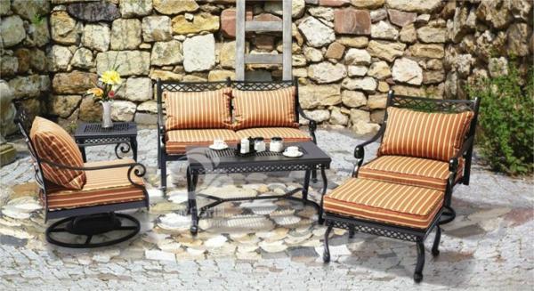 le salon de jardin en aluminium est une solution. Black Bedroom Furniture Sets. Home Design Ideas