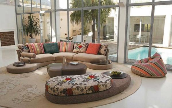 Le salon roche bobois un conte de f e moderne - Sofa vor fenster ...