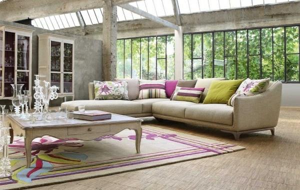 salon-roche-bobois-espace-industriel-et-décoration-baroque