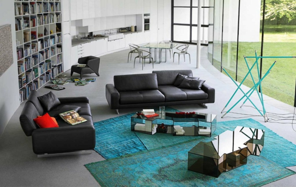 salon-roche-bobois-grands-sofas-en-cuir-noir