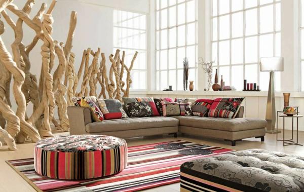 salon-roche-bobois-intérieur-blanc-et-aménagement-coloré