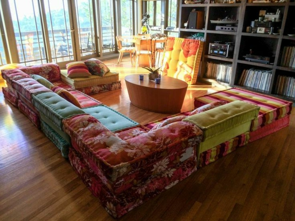 salon-roche-bobois-le-sofa-icônique-mah-jong
