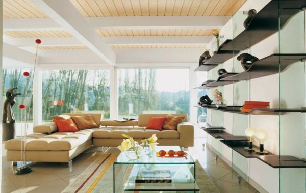 salon-roche-bobois-sofa-beige-et-étagère-flottante