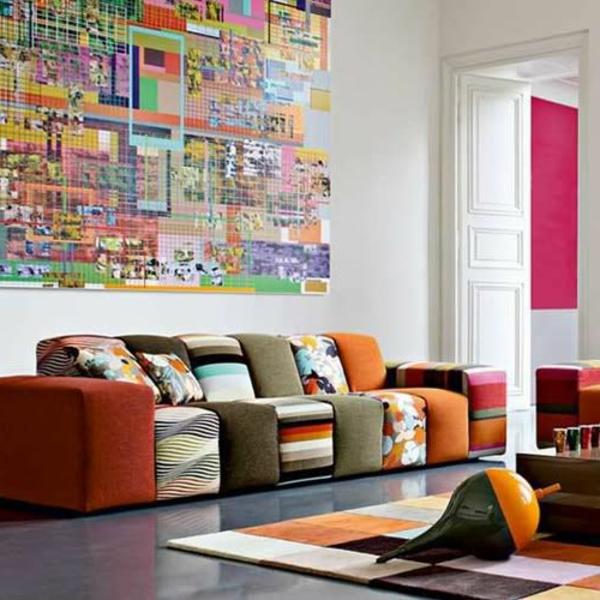salon-roche-bobois-sofa-imprimé-tapis-milticolore