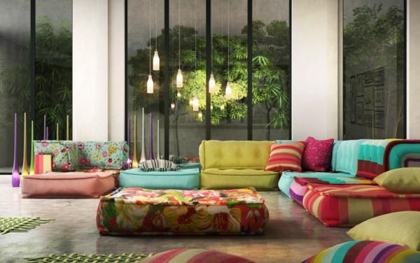 salon-roche-bobois-sofas-colorés-et-lampes-pendantes