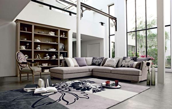 salon-roche-bobois-tapis-floral-chaise-médaillon