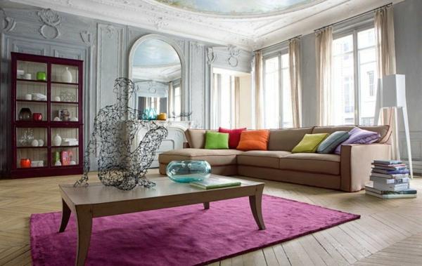 salon-roche-bobois-tapis-pourpre-table-rectangulaire-en-bois