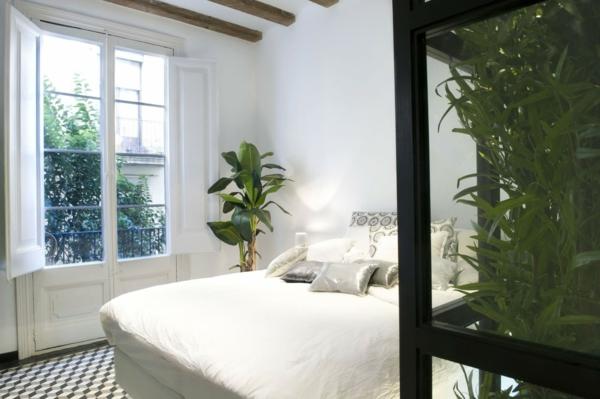 simple-déco-plante-verte-arbre-chambre-à-coucher-jolie-ambiance-proche-de-la-nature-plante