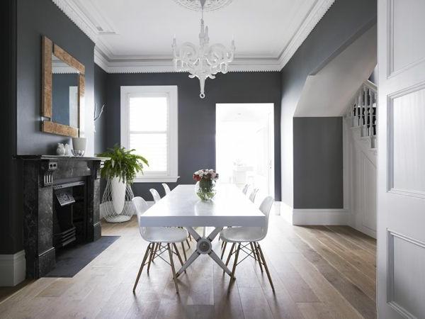 table-salle-à-manger-simple-déco-moderne-lustre-baroque