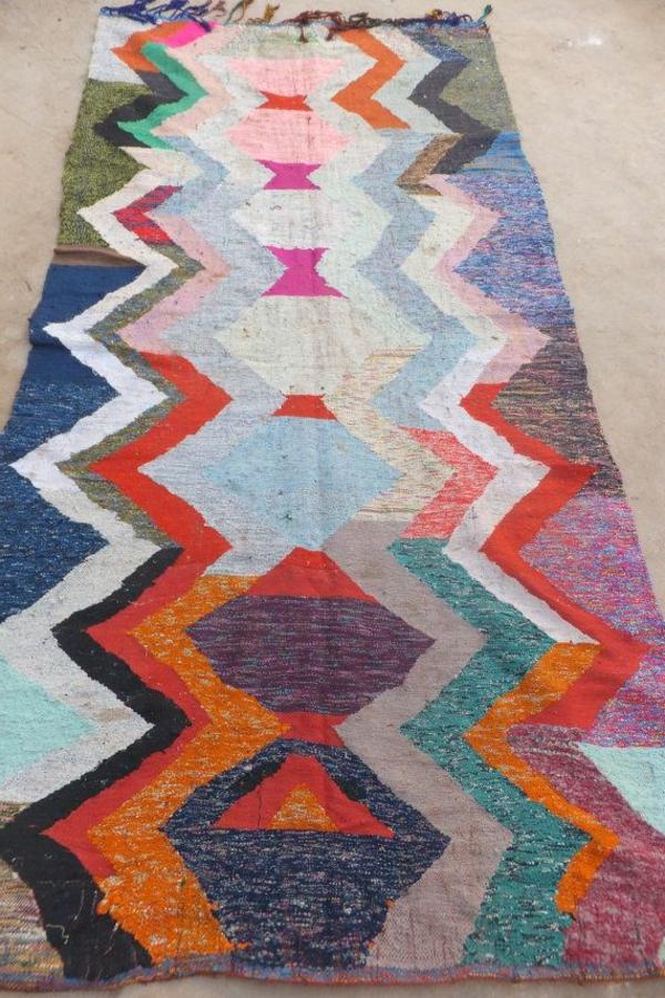 tapis-coloré-rouge-bleu