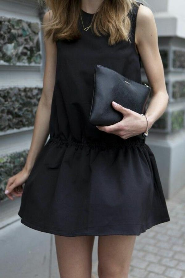 tenue-de-jour-Petite-robe-noire
