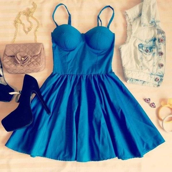 tenue-du-jour-robe-quotidienne-comment-porter-la-robe-bustier