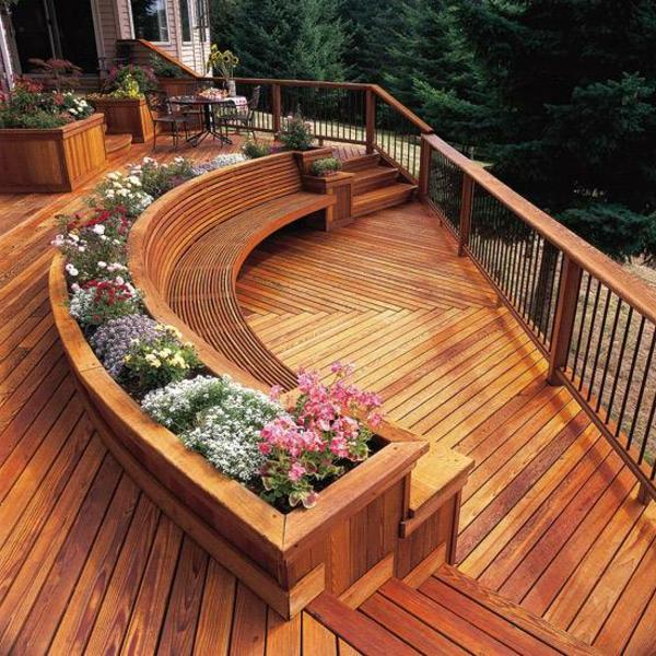 terrasse en bois ou composite, terrasse superbe, formes ondulantes