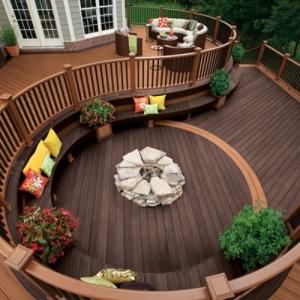 Terrasse en bois ou composite - idées merveilleuses pour l'extérieur