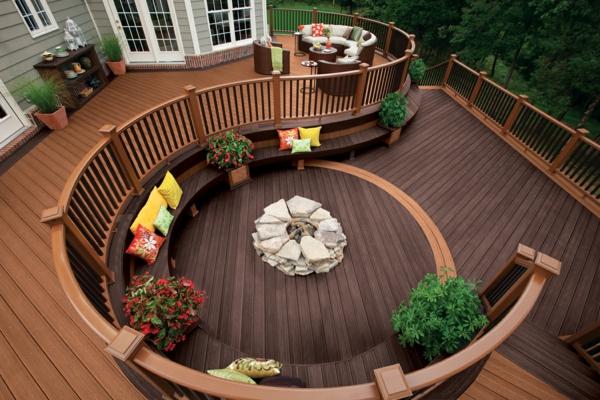 terrasse en bois ou composite, terrasse jolie contemporaine