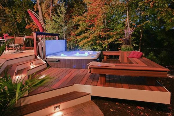 terrasse-en-bois-ou-composite-dsign-trendy-d'extérieur