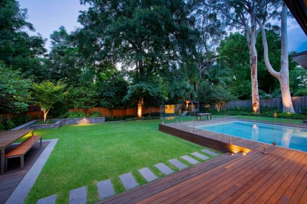 Terrasse en bois ou composite id es merveilleuses pour l for Piscine en bois rectangulaire