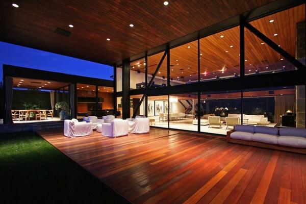 terrasse en bois ou composite, terrasse magnifique en bois laqué
