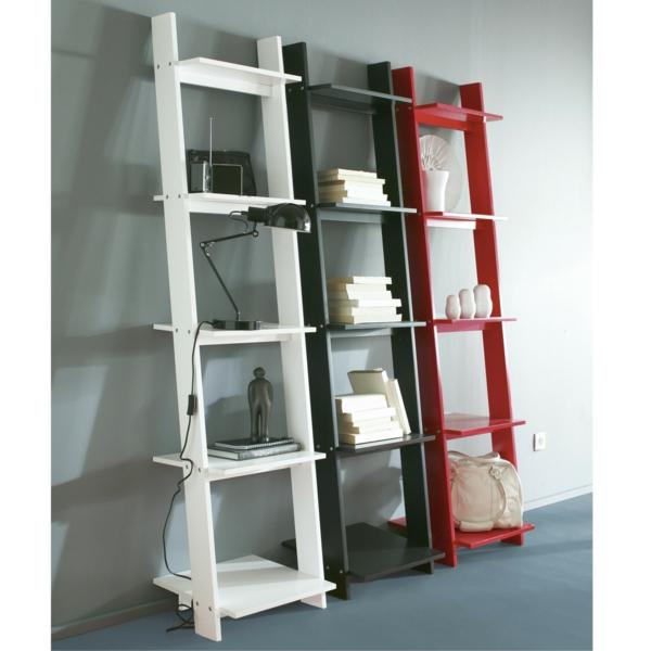 trois-échelles-transformées-en-bibliothèque-comode-de-salon