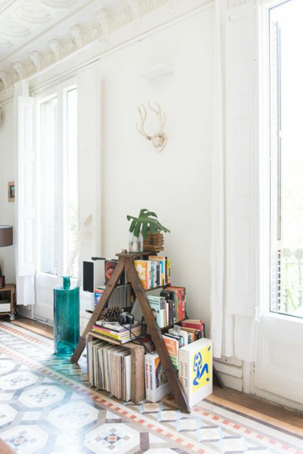 vase-bleue-échelle-étagère-meubles-diy