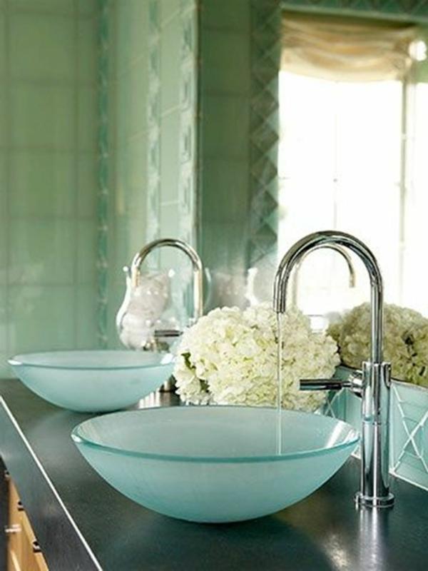 vasque-en-verre-bleu-vasques-élégantes