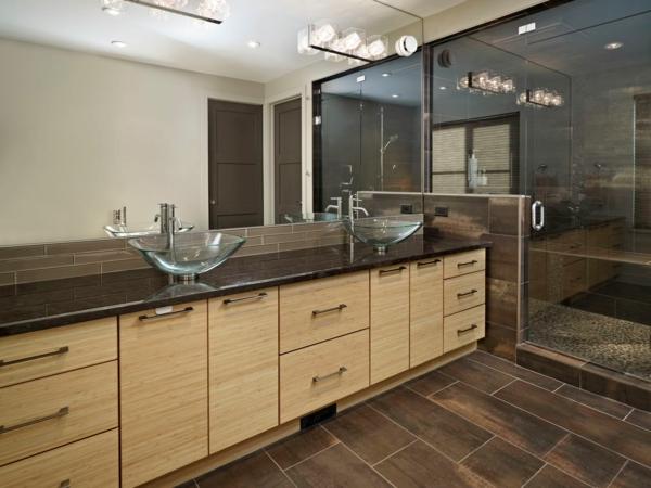 vasque-en-verre-deux-vasques-sur-un-plateau-en-marbre-noir