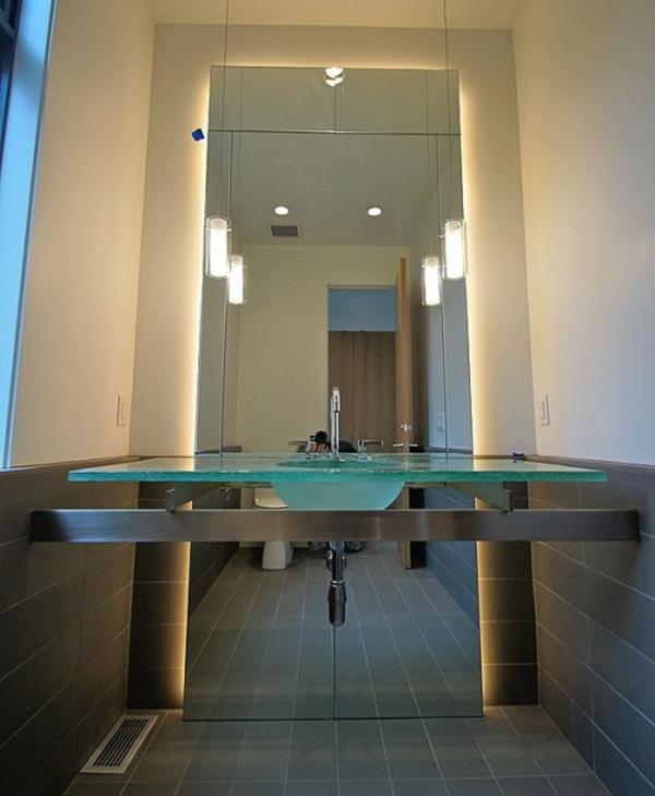 vasque-en-verre-original-un-miroir-sans-encadrement