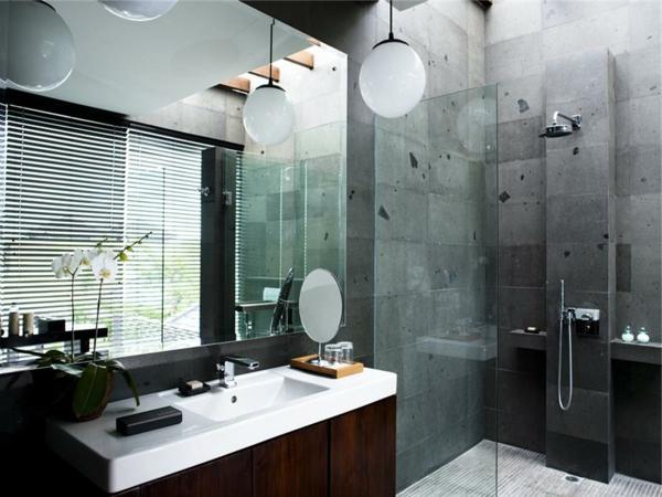vasque-rectangulaire-suspensions-boules-et-une-douche-stylée