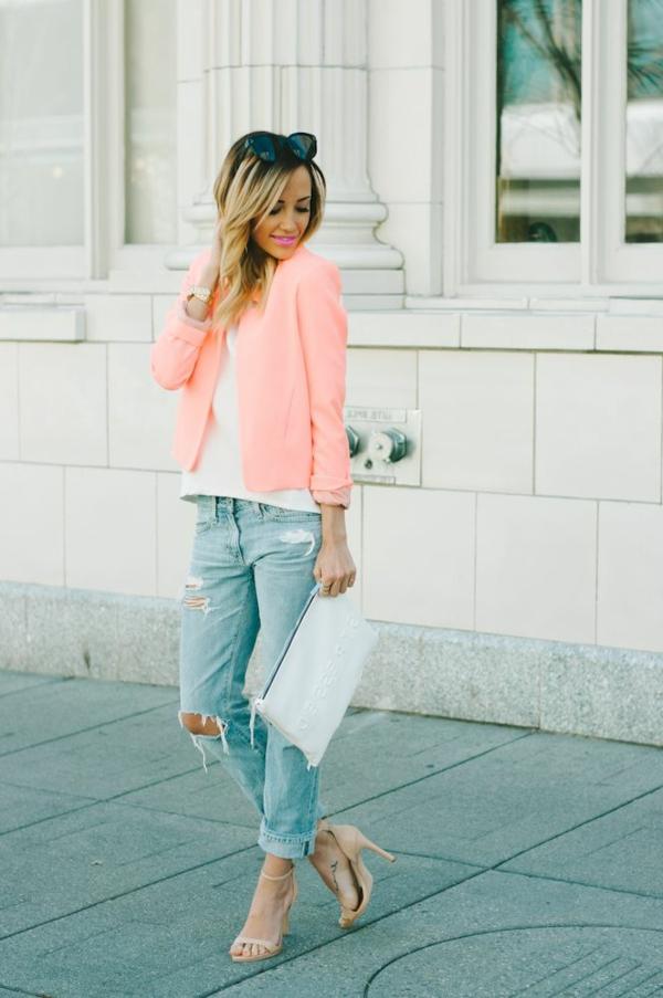 veste-corail-claire-et-jeans