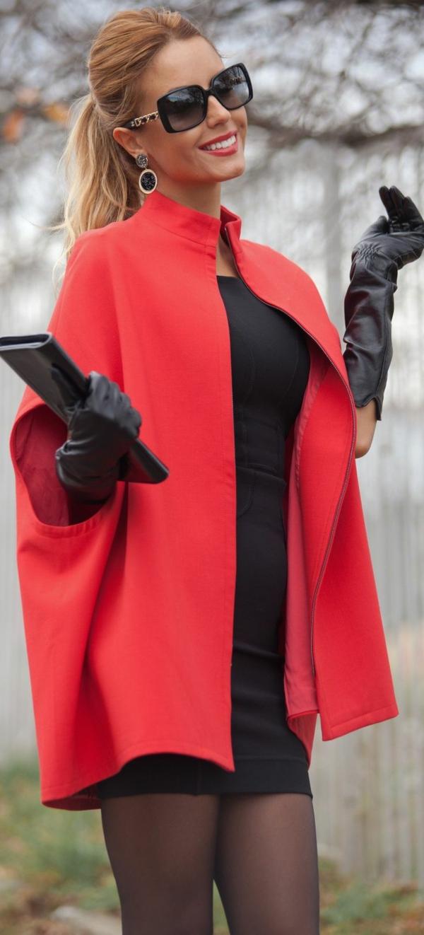 veste-corail-des-gants-noirs-en-cuir