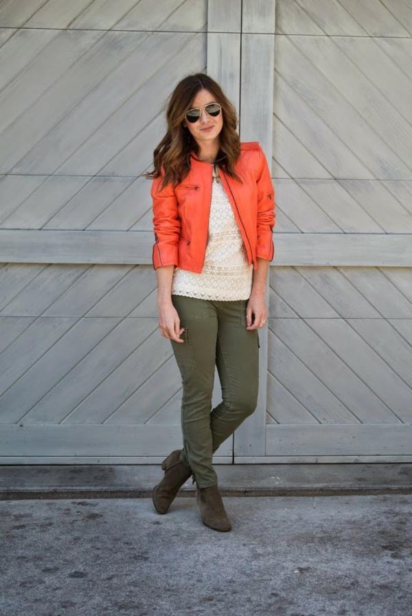 veste-corail-en-cuir-une-veste-courte