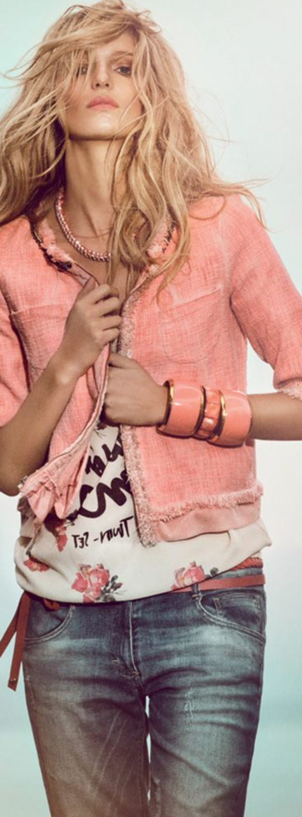 veste-corail-en-tweed-et-outfit-urbain