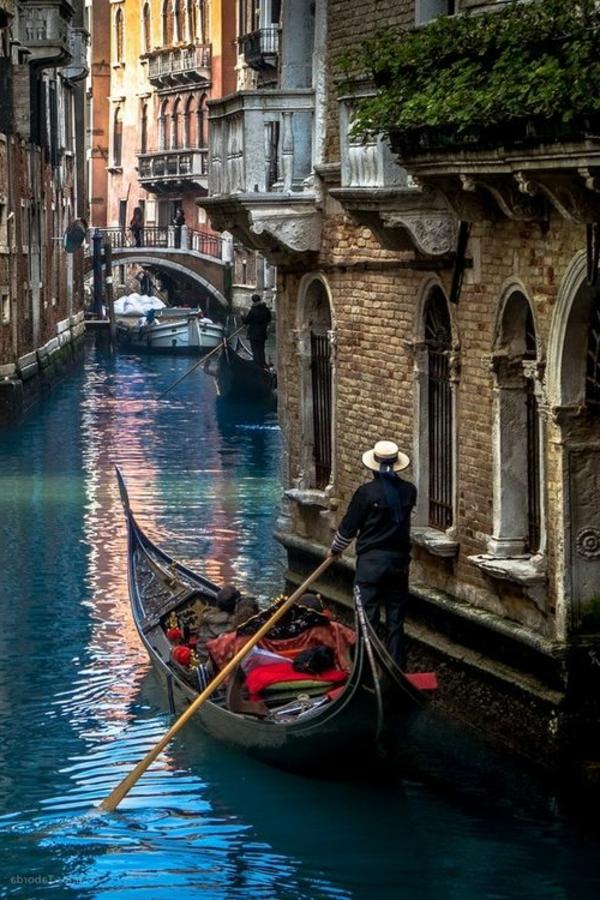 voyage-en-italie-gondolier