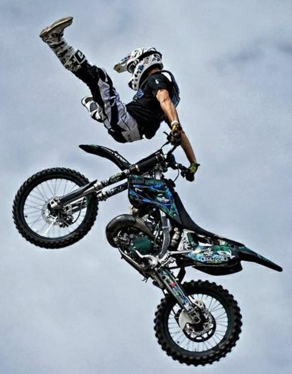 équipement-moto-original-casuqe-de-moto-confortable-vol-de-moto