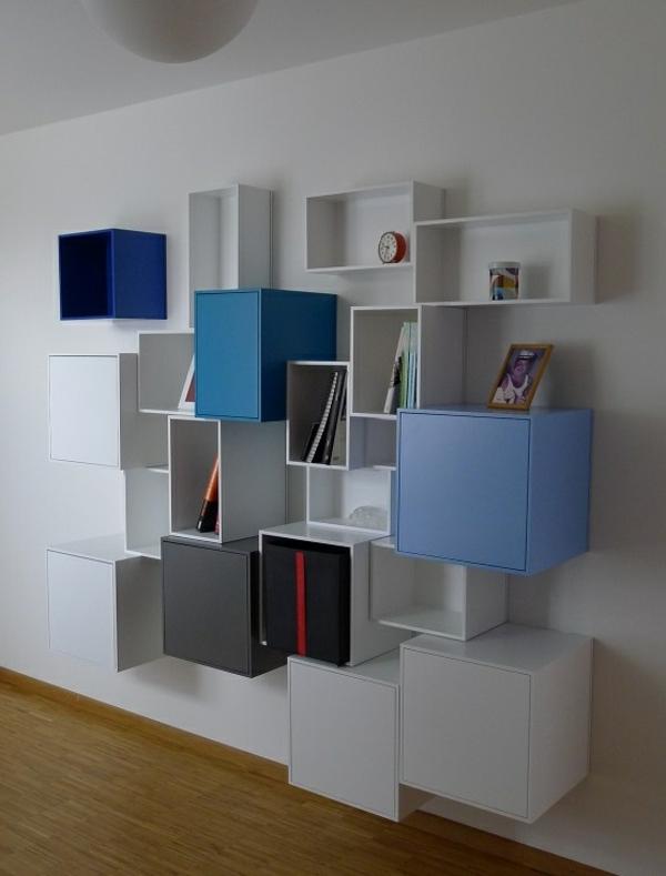 étagères-cubes-étagère-élégante-en-bleu-et-blanc