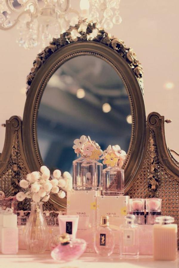 0-table-de-maquillage-rose-barbie