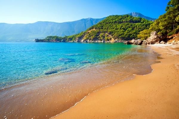 1-Antalya-Turquie-des-vacances-de-merveille-bleu-vert-eau-mer-plage
