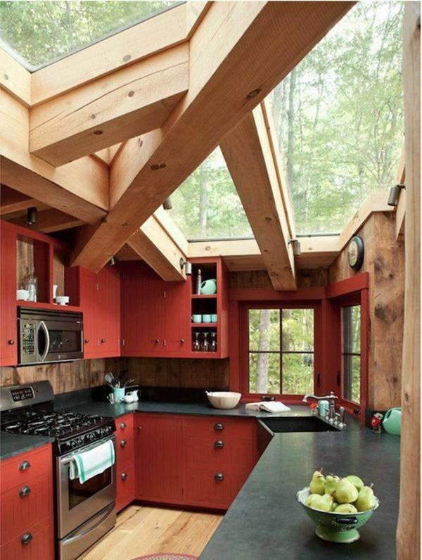 1-belle-cuisine-rouge-toit-verre-bois