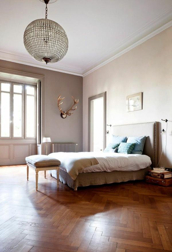 1-chambre-classique-parquet-massif-beige