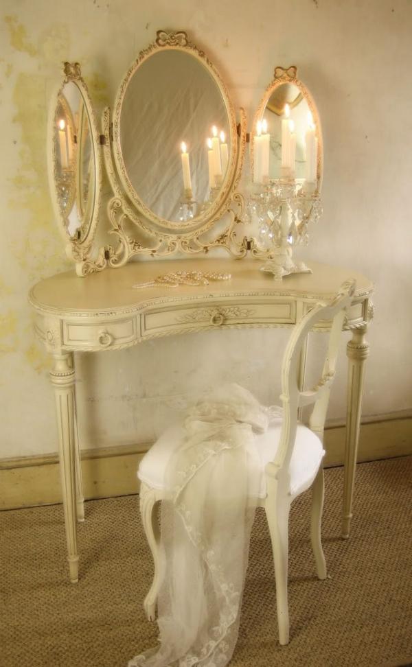 1-coiffeuse-blanche-vintage-classique-miroir