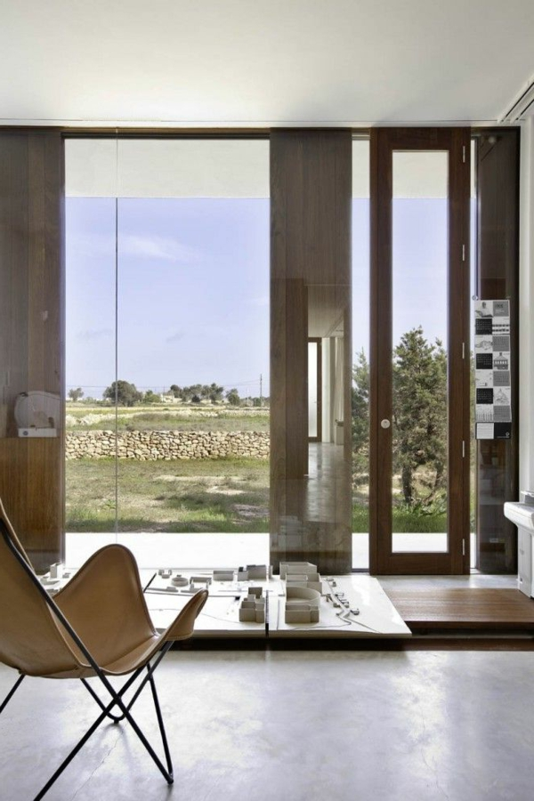 1-fauteuil-papillon-bois-salon-moderne
